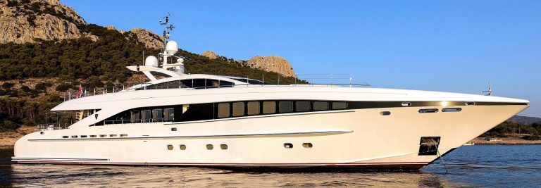L'EQUINOX Luxury Motor Yacht