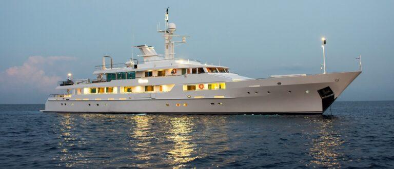 O'Natalina exclusive mega yacht