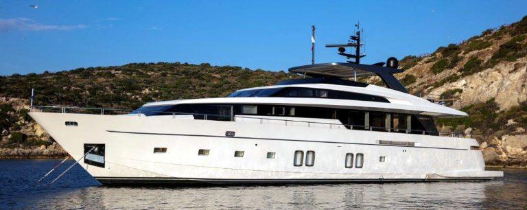 DINAIA Motor Yacht