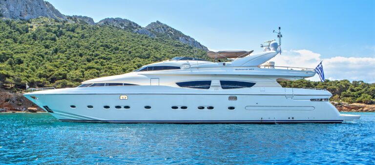 DIVINE LUXURY YACHT FOR CHARTER IN GREECE