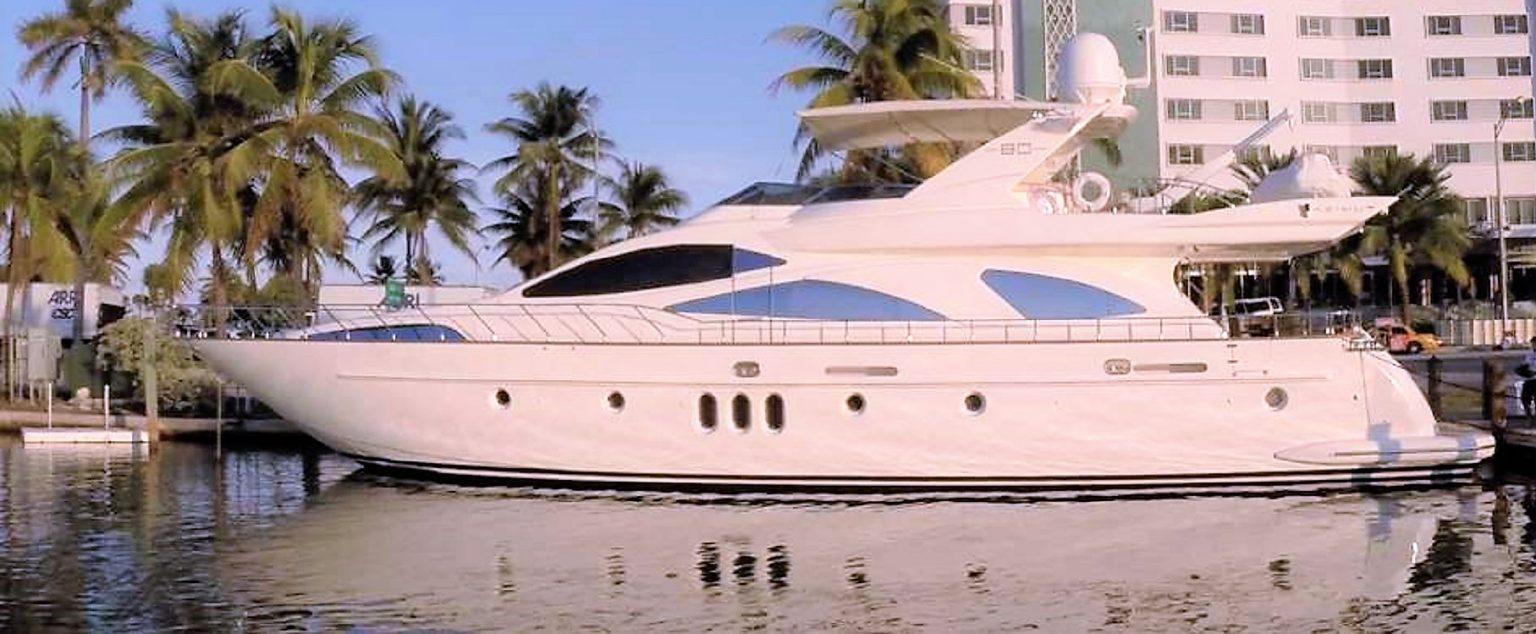 DREAMER Motor Yacht
