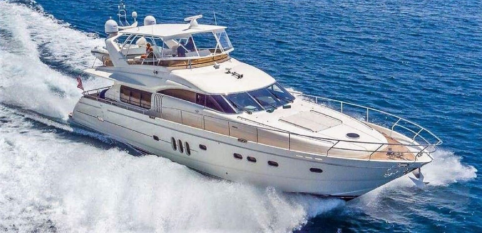 HOYA SAXA Motor Yacht