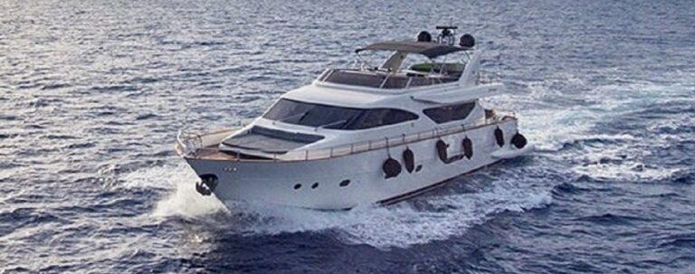 SALTY Motor Yacht
