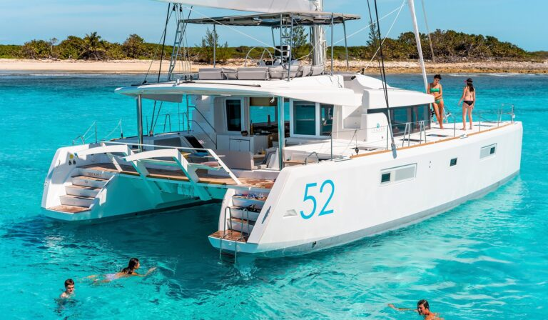 WHITE PEARL CATAMARAN