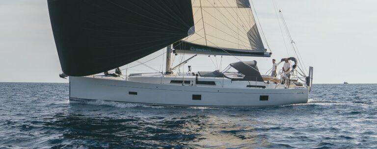 AQUA HOLIC Sailing Yacht